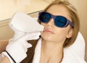 как избавиться от лишних волос на лице