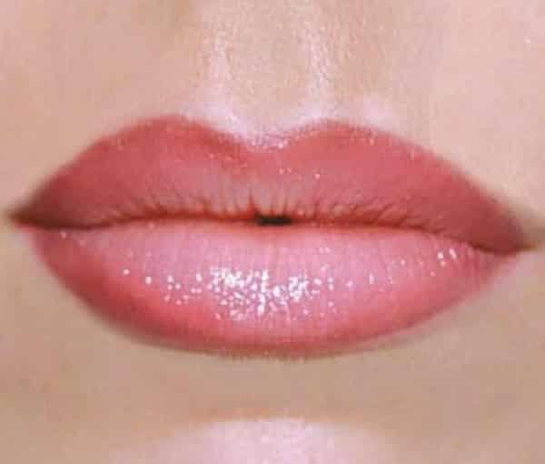 как выглядит татуаж губ омбре