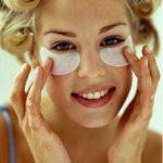 домашние и косметологические процедуры против морщин под глазами