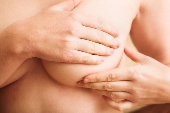 как подтянуть грудь в домашних условиях