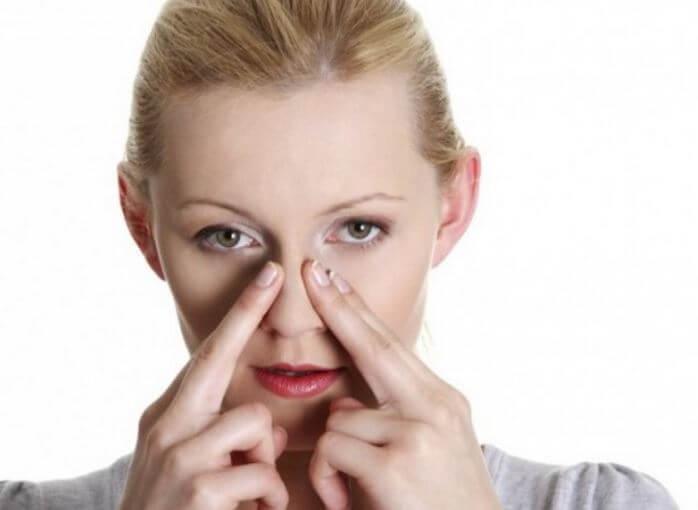 сдавливание носа